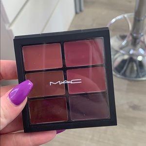 Mac lip palette never used